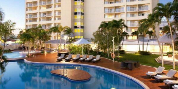 Pullman Cairns - Evening Pool